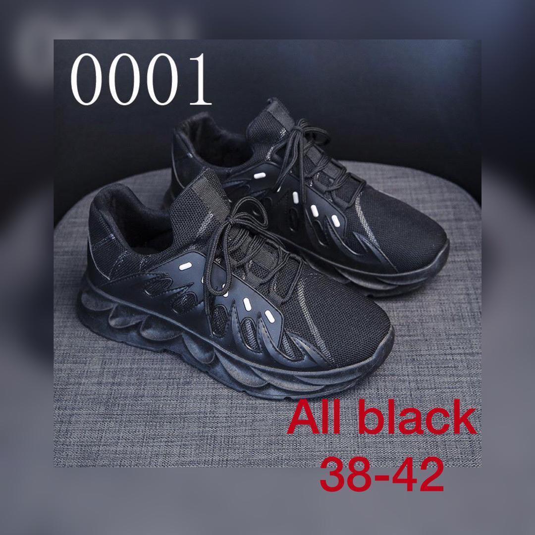 All black women sneakers